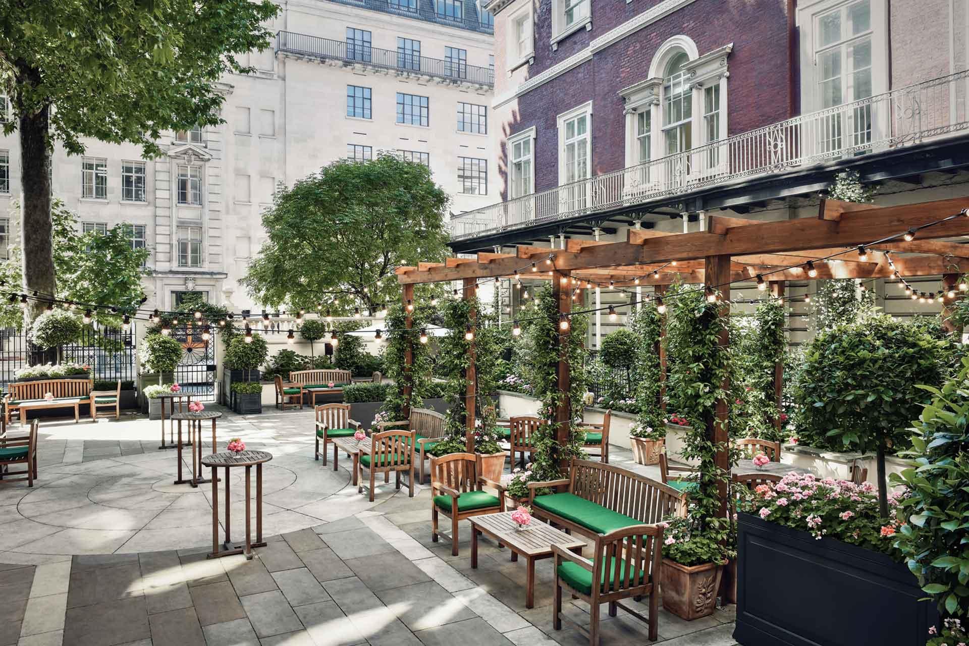 The-Langham courtyard